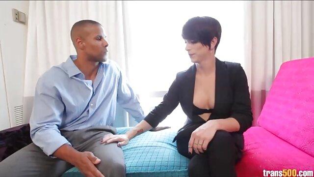 Πορνό χωρίς εγγραφή  Δύο ζουμερά μελαχρινές γαμημένο με έναν τύπο σε ένα ξενοδοχείο ωριμεσ sex